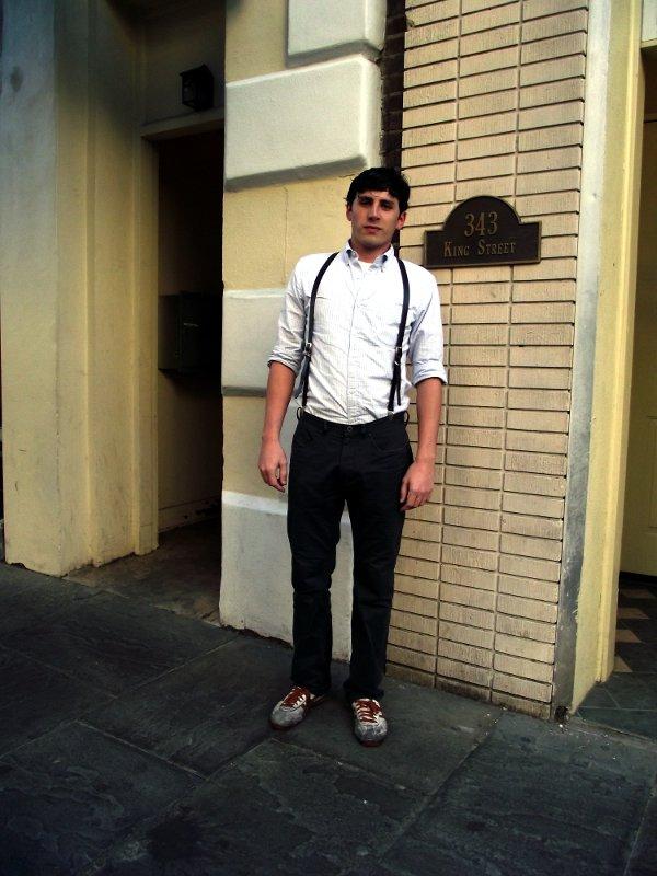 Мужчина в подтяжках (ретро стиль)