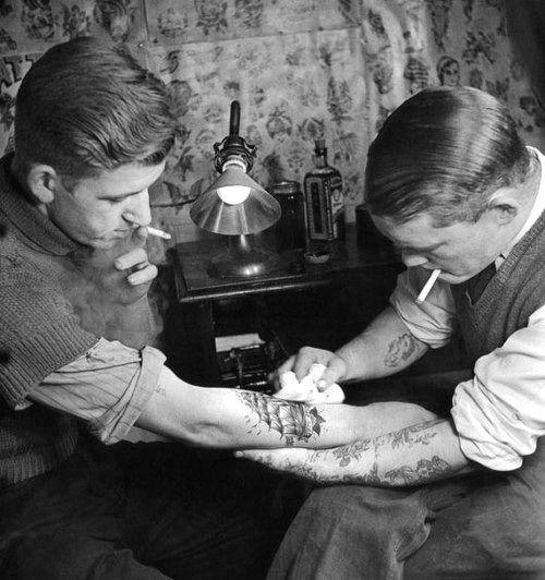 уход за новенькой татуировкой 1930-е