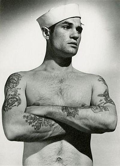 Татуированный мужчина 1940-е года